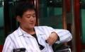 佟大为新片演绎医生 初当老爸不会换尿布
