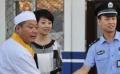 范伟化身《雷人老范》被投诉 连连耍宝笑坏范志博