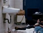 《当幸福来敲门》温情片段 史密斯带儿子夜宿厕所