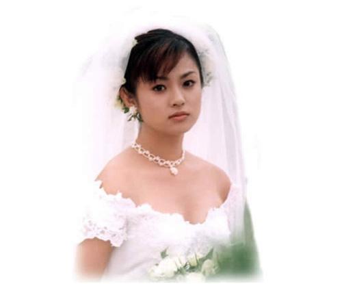 日本美女明星深田恭子背景240x320 韩国第一美女金泰熙和
