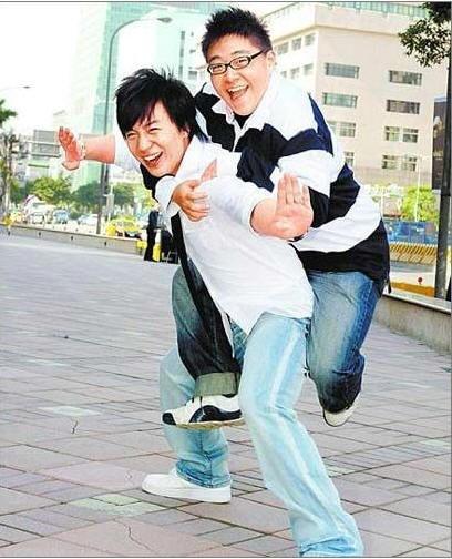 释小龙称支持师傅释永信坦言20岁想恋爱(2)_内地