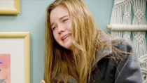 《信任》预告片 妙龄女孩遭遇网友的性侵犯