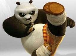 """《功夫熊猫2》宣传片 熊猫阿宝惨遭""""海扁"""""""