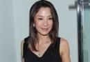 杨紫琼黑色蕾丝秀美背 即将挑战家庭伦理电影