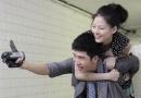 井柏然新曲MV与女主角大玩自拍 演哭戏被指神经病