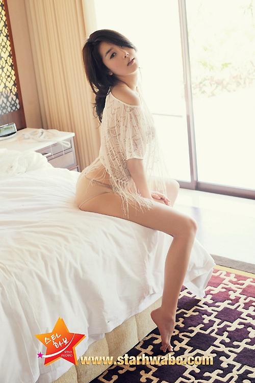 诱人长腿展现绝美身材