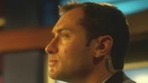 《传染病》最新片段 裘德·洛电视采访披露实情
