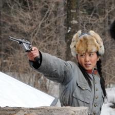 镜泊湖的枪声