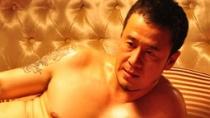 《密室之不可靠岸》杨坤花絮 带伤上阵床戏不怯场