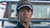《超级战舰》中文预告片 美国海军激战外星飞船