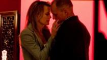 《堡垒》中文片段男主悲剧 哈里森夜谈众女欲求欢