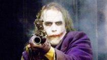"""""""黑暗骑士""""开篇震撼抢劫片段 小丑设计残杀迷局"""