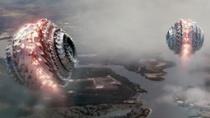 """《超级战舰》片段 """"粉碎机""""突袭海军基地受重创"""
