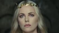 《白雪公主与猎人》中文特辑 皇后天使面容蛇蝎心