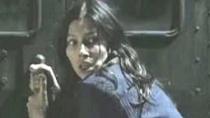 惊悚片《高个男人》片段 母亲吊挂追车救子险丧命