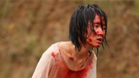 《浮城谜事》戛纳流出片段 暴雨飙车撞人血肉模糊