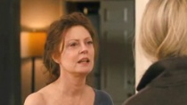 《套利交易》片段 没落富太苏珊·萨兰登秀香肩