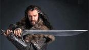 """""""霍比特人1""""矮人首领定妆照 手持长剑气派十足"""