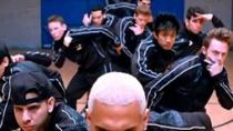 《年度之战:梦之队》中文预告 篮球教练跨界训舞