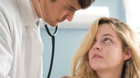 《一个好医生》中文特辑 布鲁姆变态折磨苦恋病人
