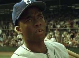 哈里森·福特《42号》中文预告 演绎传奇棒球手