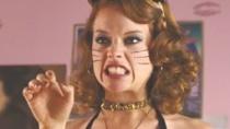 """《疯狂万圣夜》预告 性感""""猫女""""派对夜状况百出"""