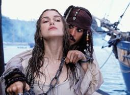 """凯拉·奈特莉遭遇海盗围攻 """"弱女子""""战""""群雄"""""""