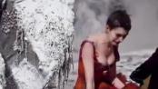 《悲惨世界》中文服装特辑 海瑟薇凄惨红裙仍娇媚