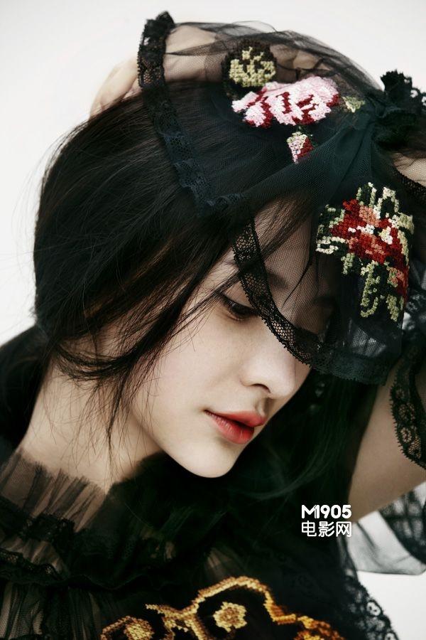 熊乃瑾黑色蕾丝性感写真曝光 展优雅迷人气质