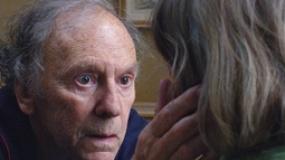 金棕榈获奖影片《爱》片段 老妪表情呆滞不发一语