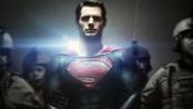 《超人:钢铁之躯》曝新款海报 卡维尔锒铛入狱