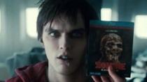 《血肉之躯》中文惊悚片段 成群僵尸暗室袭击人类