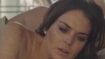 惊悚片《峡谷》曝片段 琳赛·洛翰偷拨电话遭怒吼