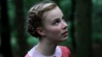合拍片《少女洛荷》中文预告 战争年代的悲情之恋