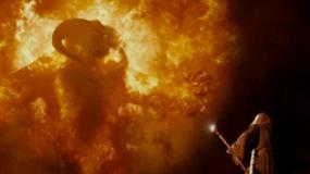 《指环王:护戒使者》片段 甘道夫酣战地狱炎魔