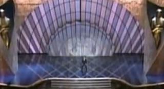 第70届奥斯卡中文开场片段 克里斯托调侃六壮士