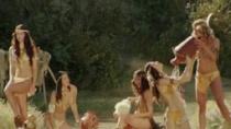 《查尔斯的心灵》片段 裸露女郎戏水户外勾引牛仔