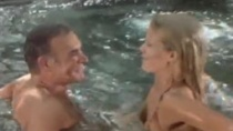 《007外传:巡弋飞弹》预告 邦德温泉携美人嬉水