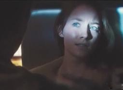 《宿主》曝光片段 人类被神秘外星物种洗脑控制