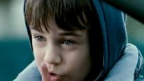 《移情失控》预告 扭曲父爱给非亲生孩子遭成负累