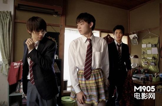 日本搞笑漫画搬上男子高中高中生拍真人版新加坡银幕难度图片