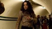 """《速度与激情6》片段 两""""泼妇""""地下铁玩命互殴"""