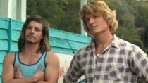 《冲浪兄弟》曝光片段 美女当前兄弟频频示好争宠