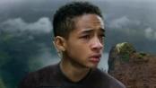 《重返地球》精彩片段 小史密斯跳下悬崖逆风飞翔