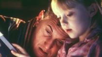 《我是山姆》温情预告 智障父亲含辛茹苦育女成人
