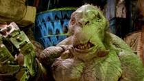 《地狱男爵2》中文片段 怪物市场奇形怪状神兽多