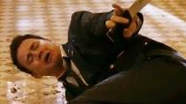 《惊天危机》中文片段 塔图姆佯装受伤突起反击
