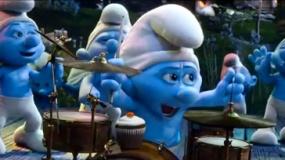 《蓝精灵2》中文片花 欢乐派对起舞弄姿玩架子鼓