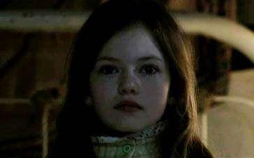 《招魂》曝惊悚片段 少女深夜病发母亲惊恐不已