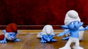 《蓝精灵2》宣传片 蓝精灵自嗨耍功夫撂倒自家人